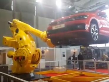 Najmoćniji robot na svetu na sajmu IFAM 2018. u Ljubljani