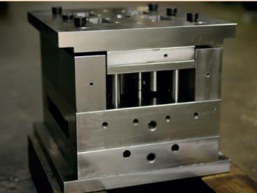 Korisnički interfejs na mašini poboljšao produktivnost proizvodnje kućišta kalupa za injekciono presovanje